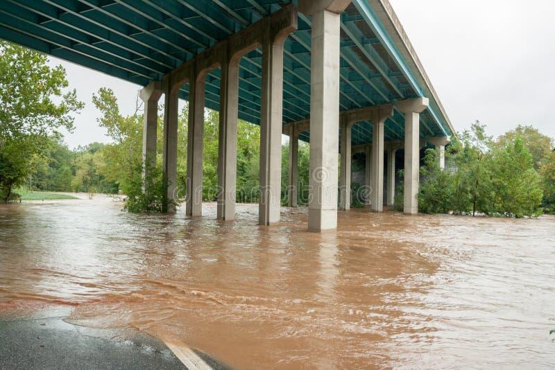 O furacão molha a inundação da terra imagens de stock royalty free