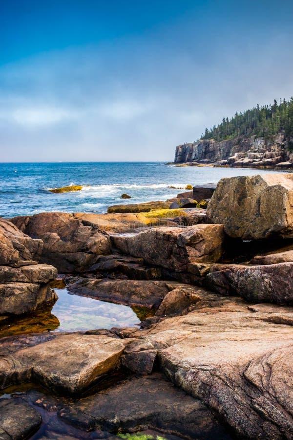 O furo do trovão no parque nacional do Acadia, Maine imagem de stock