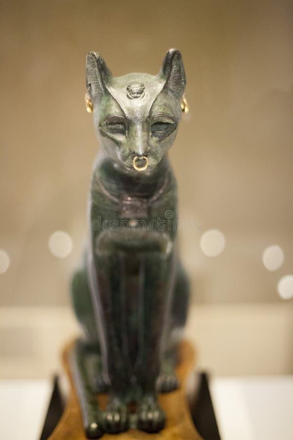 O gato egípcio 'Bastet' Bastet era a deusa do fogo, gatos, da casa e das mulheres gravidas foto de stock royalty free