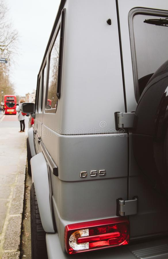 O gelandewagen luxuoso de Mercedes-Benz G55 AMG SUV estacionou o estreptococo britânico imagens de stock royalty free