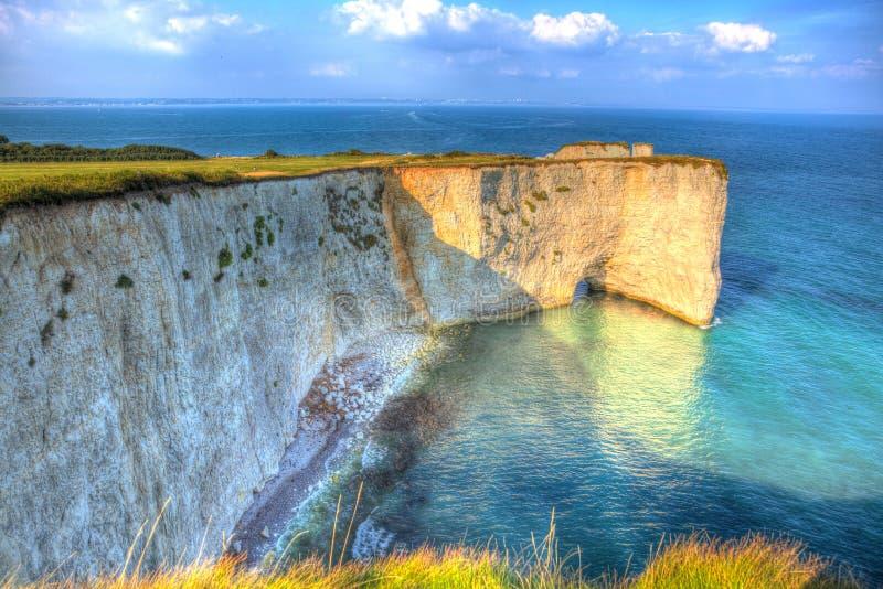O giz jurássico britânico da costa empilha Harry Rocks Dorset England idoso Reino Unido ao leste de Studland como uma pintura imagens de stock