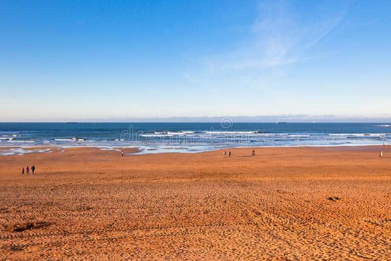 O Golfo da Biscaia perto de Bilbao, Espanha em janeiro imagem de stock royalty free