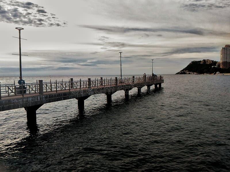 O golpe Saené cidadedo beachdo aao longo do oforiental Tailândiada costa do golfo fotos de stock