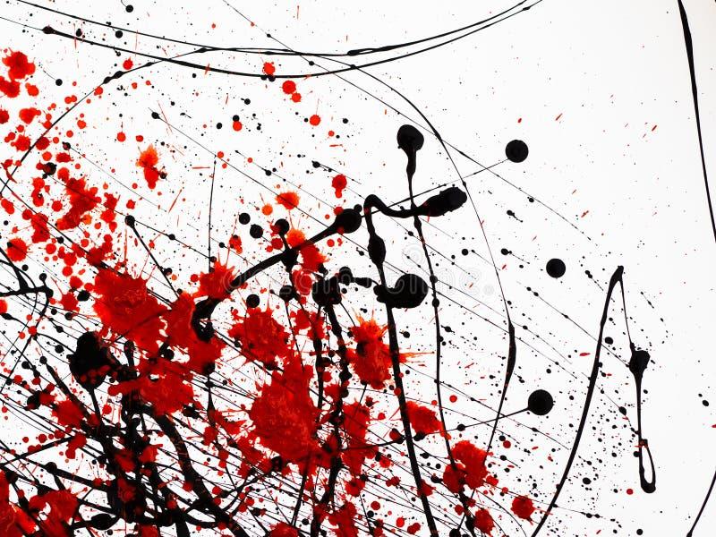 O gotejamento das manchas pretas e vermelhas da pintura similares ao fuel-?leo de fluxo do sangue espirra, gotas e tra?os imagem de stock