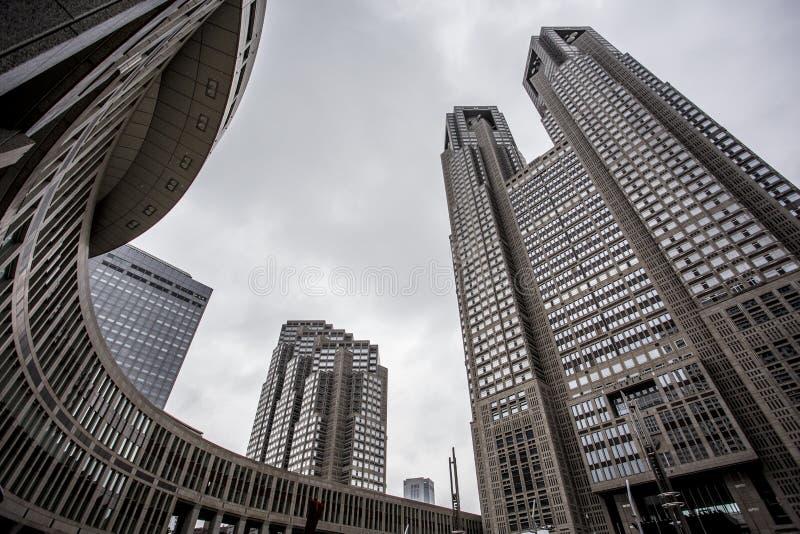 O governo metropolitano do Tóquio que constrói igualmente referiu como Tocho para breve no alvorecer imagens de stock royalty free