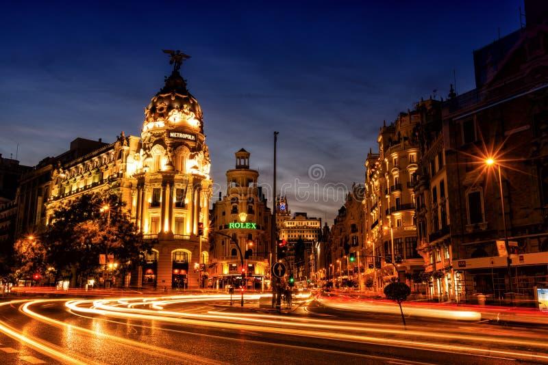 O Gran através do Madri, Espanha no crepúsculo imagens de stock