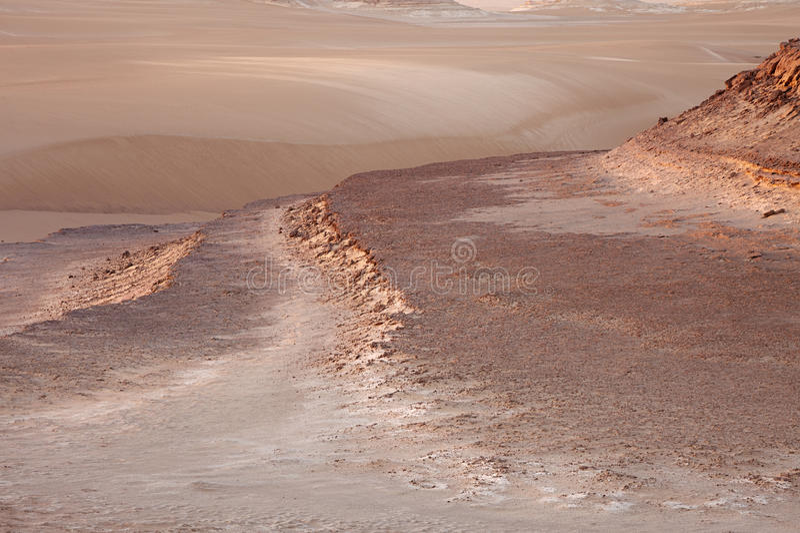O grande deserto de sahara perto do siwa, Egipto ocidental foto de stock royalty free