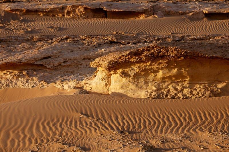 O grande deserto de sahara perto do siwa, Egipto ocidental imagens de stock royalty free