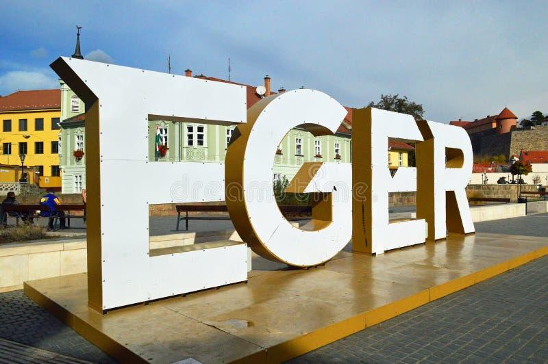 O grande eger assina dentro o centro de cidade, Hungria fotografia de stock