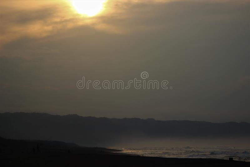 O grande nascer do sol na grande manhã imagens de stock royalty free
