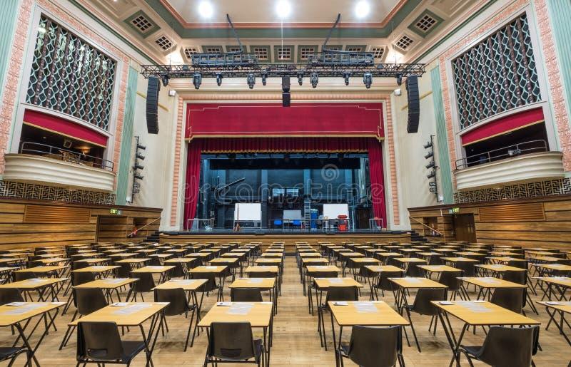O grande salão, Queen Mary, Universidade de Londres Salão vitoriano do entretenimento renovado no estilo do art deco após o fogo  imagens de stock