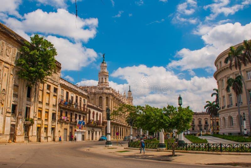 O grande teatro de Havana em um dia ensolarado bonito cuba foto de stock
