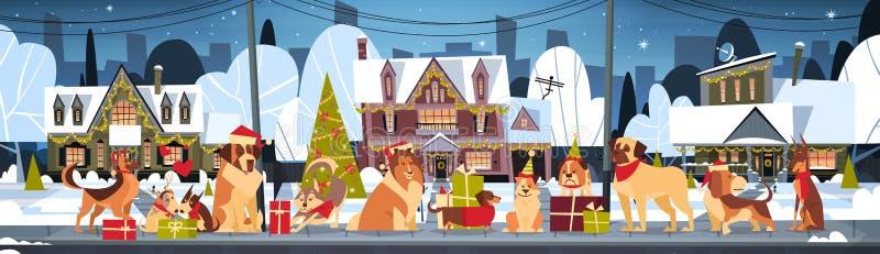 O grupo de cães em casas de Santa Hats Outdoors Near Decorated casa o Natal e o cartaz horizontal do ano novo feliz ilustração royalty free