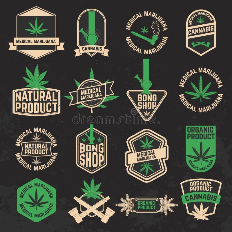 O grupo de cannabis, marijuana, bong etiquetas da loja, crachás e projeto ilustração stock