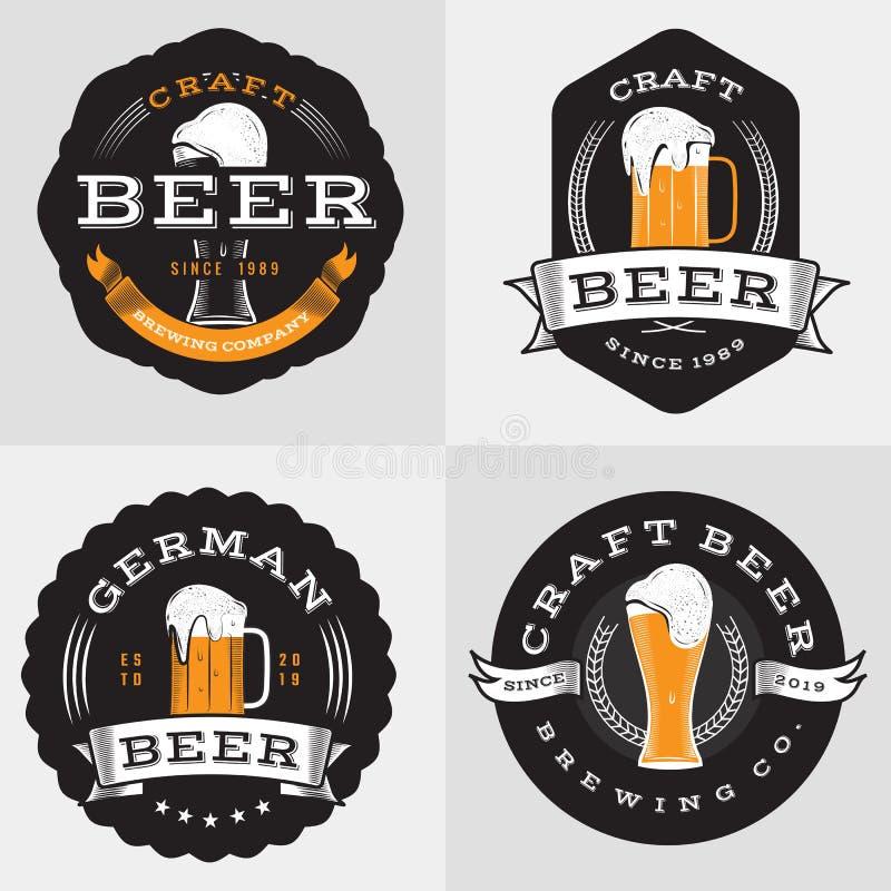 O grupo de crachás, de bandeira, de etiquetas e de logotipo para a cerveja, bebida, bebe Elementos do projeto do vintage ilustração stock