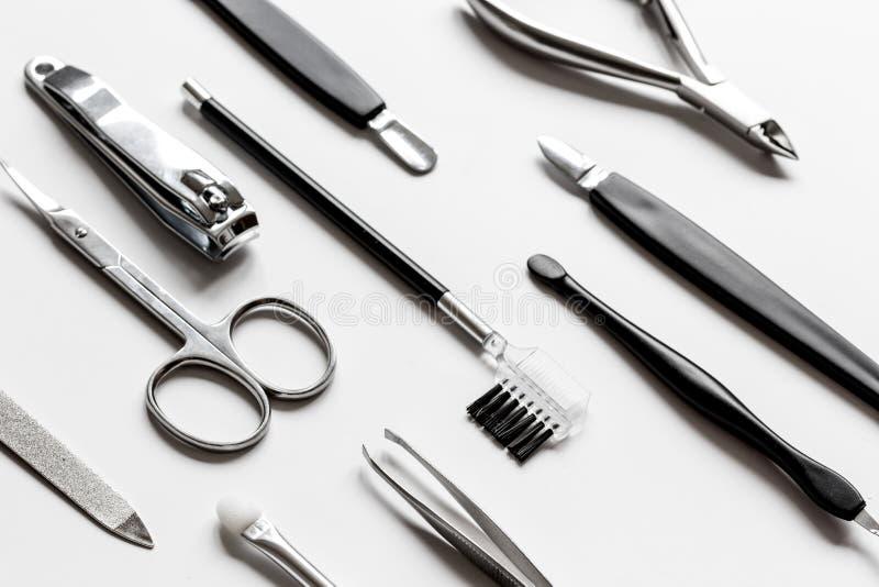 Download O Grupo De Tratamento De Mãos Metálico Utiliza Ferramentas O Macro Foto de Stock - Imagem de higiene, afiado: 80102640