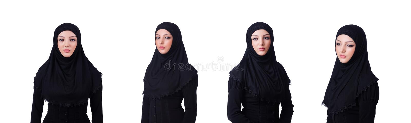 O hijab vestindo da jovem mulher mu?ulmana no branco imagens de stock royalty free