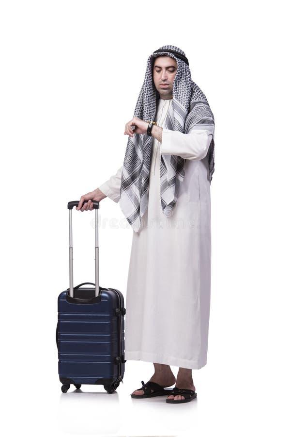 O homem árabe com a mala de viagem no conceito do curso isolada no branco fotos de stock royalty free