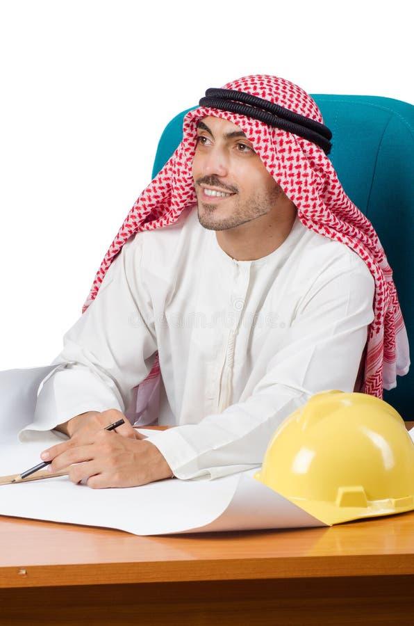 O homem árabe que trabalha no escritório fotos de stock