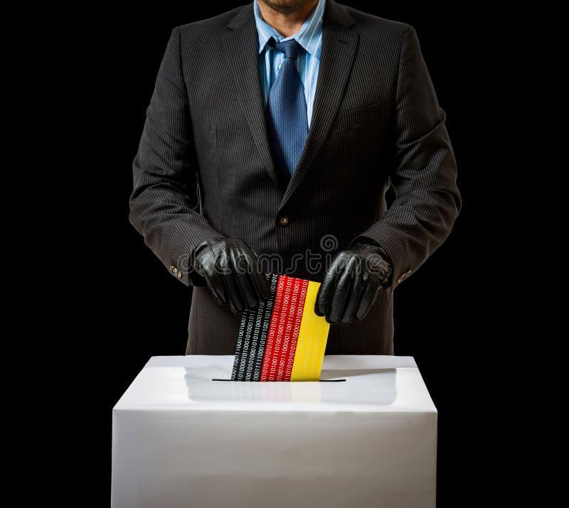O homem com luva joga a bandeira alemão na caixa de voz fotografia de stock royalty free