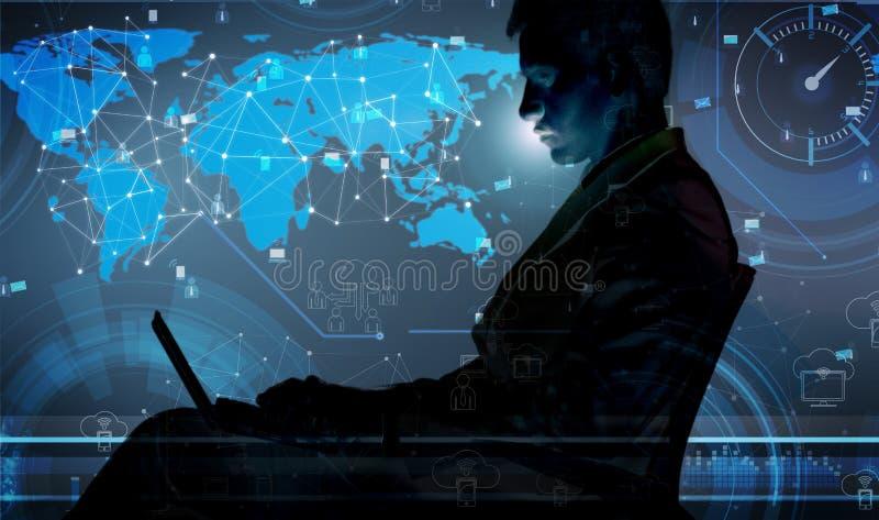 O homem com o portátil na gestão de dados social imagens de stock royalty free