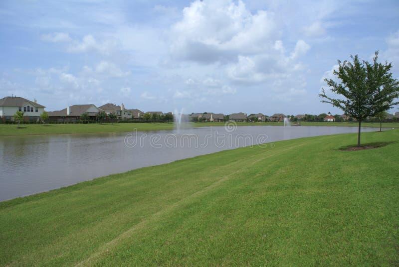 O homem da comunidade fêz lake.jpg fotos de stock royalty free