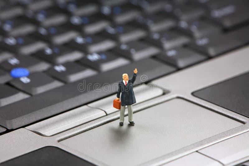 O homem de negócios acena para a ajuda imagens de stock