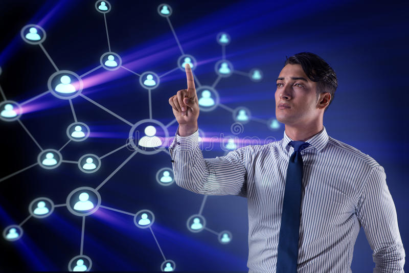 O homem de negócios considerável no conceito social das redes ilustração stock