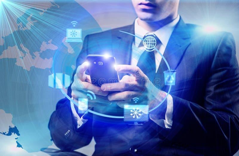 O homem de negócios no conceito de computação da nuvem imagem de stock