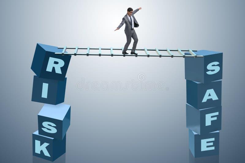 O homem de negócios no conceito do negócio do risco e da recompensa ilustração royalty free