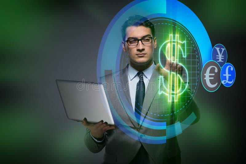 O homem de negócios no conceito em linha da troca de moeda ilustração stock