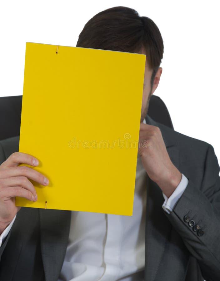 Download O Homem De Negócios No Escritório Senta-se Em Uma Cadeira Foto de Stock - Imagem de macho, indoor: 29831334