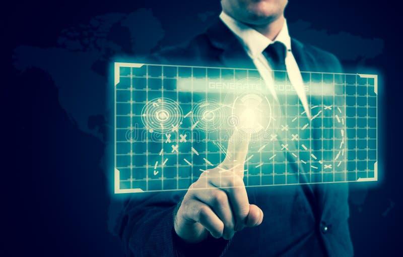 O homem de negócios pressionou um botão na exposição da alto-tecnologia imagens de stock royalty free