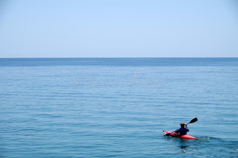 O homem idoso e o mar fotos de stock royalty free