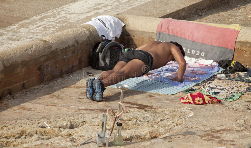 O homem que fazer empurra levanta, encalha, Líbano foto de stock
