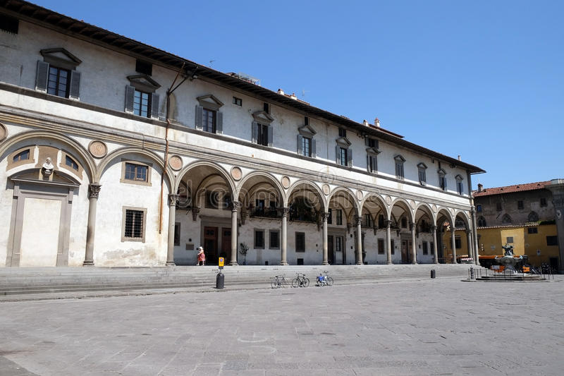 O hospital de enjeitado projetou por Brunelleschi na praça SS Annunziata, Florença, fotos de stock