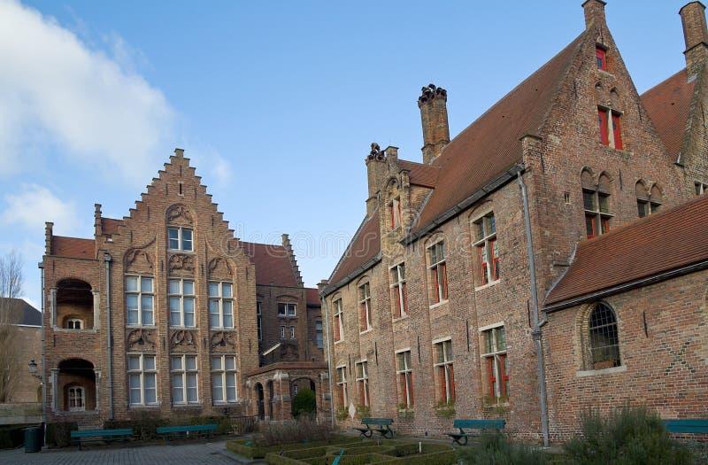 O hospital de St John idoso. Bruges, Bélgica fotos de stock royalty free
