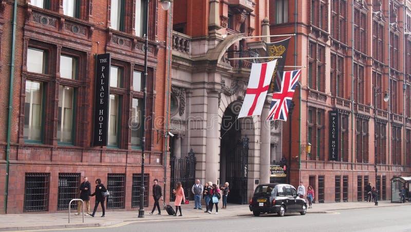 O hotel do palácio, Manchester, Inglaterra foto de stock