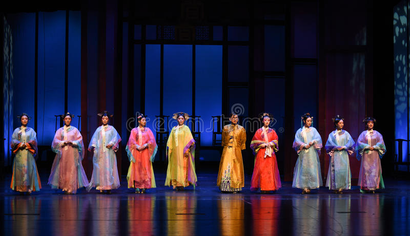 O imperador e o seu concubines-abertura as primeiras imperatrizes ato-modernas do drama no palácio foto de stock royalty free