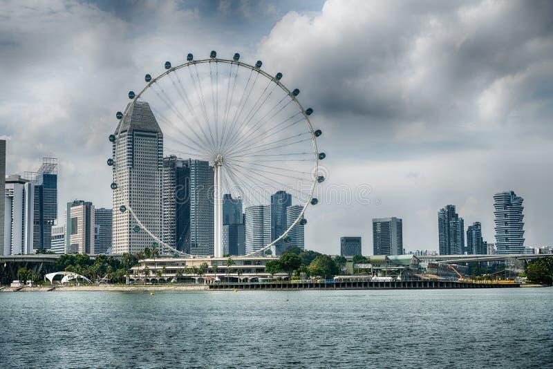 O inseto de Singapura os ferris gigantes roda dentro Singapura imagens de stock