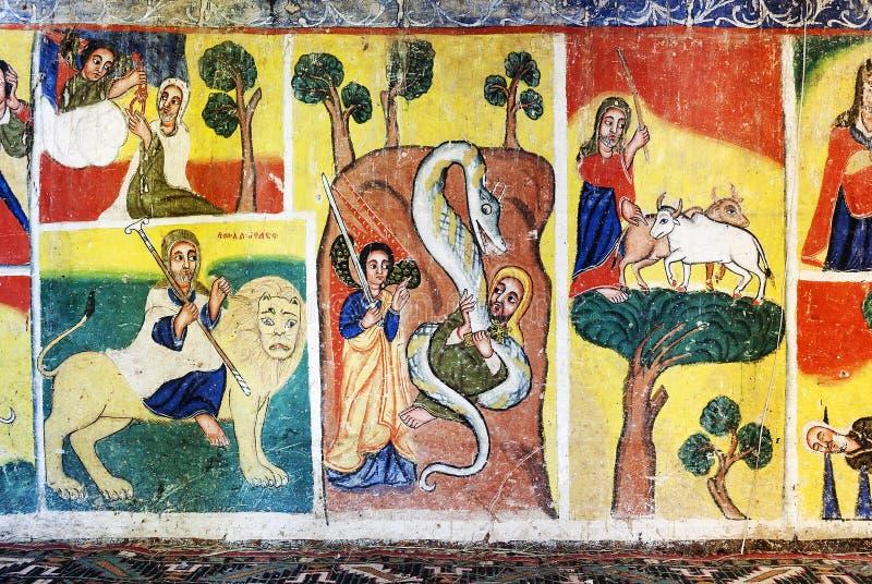 O interior antigo da igreja ortodoxa pintou paredes no ethiopi gondar foto de stock
