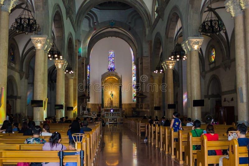O interior da catedral de Manila fotografia de stock royalty free