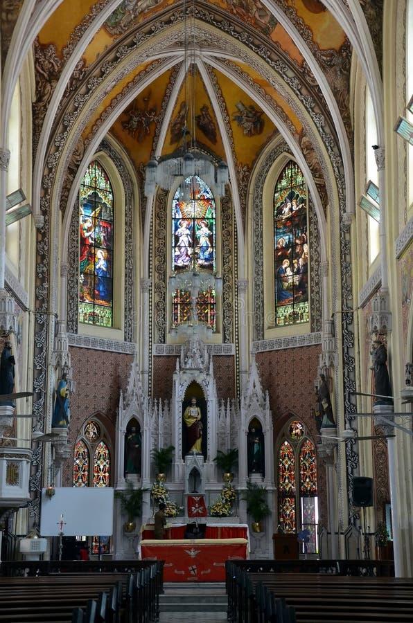 O interior da catedral santamente do nome em Mumbai imagem de stock