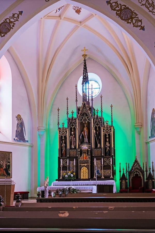 O interior da igreja imagens de stock royalty free