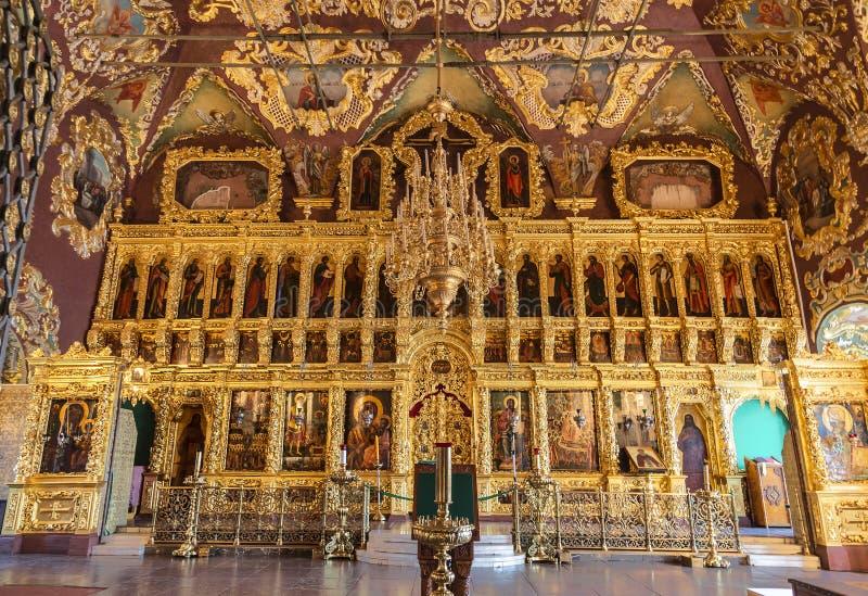 O interior da igreja de Sergius reverendo, altar A trindade-Sergius Lavra, Sergiev Posad, imagem de stock royalty free