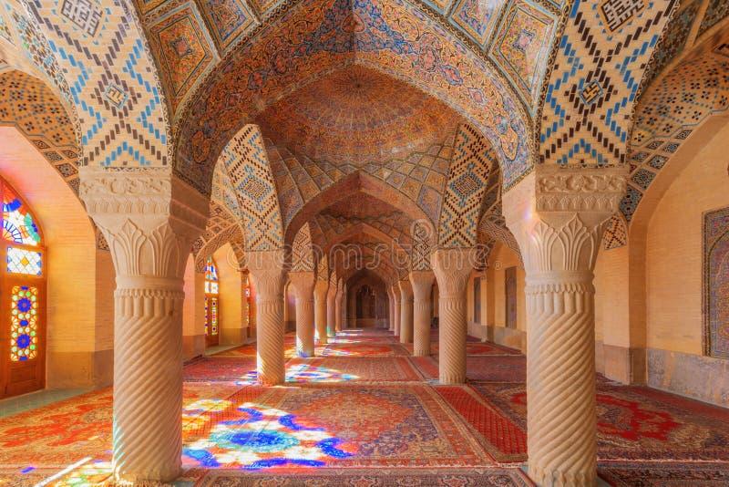 O interior da mesquita cor-de-rosa fotos de stock royalty free