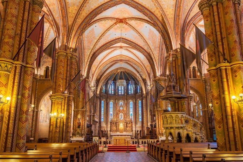 O interior de Matthias Church é uma igreja católica romana situada em Budapest imagem de stock royalty free