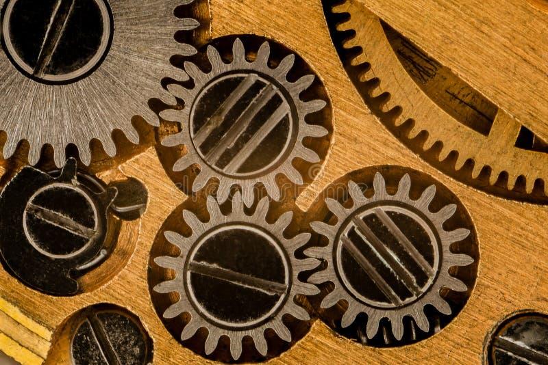 O interior de um relógio de bolso fotos de stock
