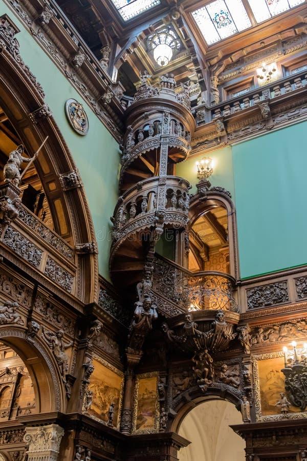 O interior do castelo de Peles em Sinaia, em Romênia fotos de stock