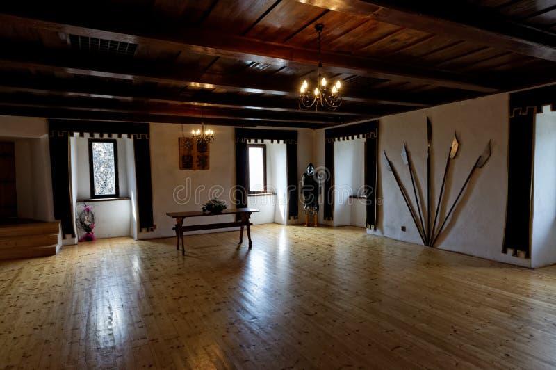 O interior do castelo velho fotografia de stock